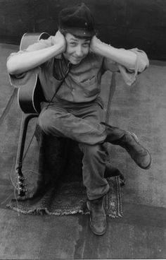 Pictures of the Eternally Unsmiling Bob Dylan Being Silly