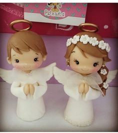 These beautiful Children's figurine piece will add a perfect touch to your Baptism, Christening and First Communions Cupcakes, Favors, Cakes, Centerpieces and Polymer Clay Christmas, Cute Polymer Clay, Polymer Clay Crafts, Christening Cupcakes, Clay Angel, First Communion Favors, Free To Use Images, Clay Animals, Pasta Flexible