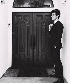 Imagine Shawn Mendes is your prom date Shawn Mendes Wallpaper, Tarzan, Fangirl, Foto Gif, Mendes Army, Magcon, To My Future Husband, Idol, Beautiful