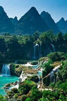 Detian Falls, Daxin County, Guangxi, China