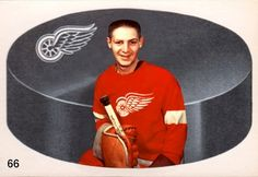 """Sent out an order featuring goaltenders recently, 10 Cards That Never Were featuring 8 """"gardiens de but"""" from the and in chronological order here they are: Jack Gelineau earned a 4 game. Detroit Red Wings, Hockey, Sports, Cards, Vintage, Goalkeeper, Hs Sports, Field Hockey, Maps"""