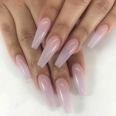 The advantage of the gel is that it allows you to enjoy your French manicure for a long time. There are four different ways to make a French manicure on gel nails. Perfect Nails, Gorgeous Nails, Pretty Nails, Dope Nails, Swag Nails, Def Not, Finger, Nails Polish, Ombre Nail Designs