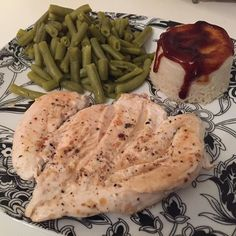 🍴Cena🍴 🔹 Pollo 🔸 Arroz con BBQ @servivita0.0 🔹 Judias •••> Y a descansar 💤💤💤 🌃Buenas Noches🌌 #fitfam #iifym #dieta #heatlhyfood #lovefood #pornfood #macros #asthetics #fitness #instalike #f4f #foodporn #eatclean #instafit #nutrition #foodpic #eattogrow #fitfood #mensphysique #gymlife #bulking #fitnessadict #inspiration #Lifestyle #likeforlike #fitfamily #gains #dinner #followme #shredded  Yummery - best recipes. Follow Us! #foodporn