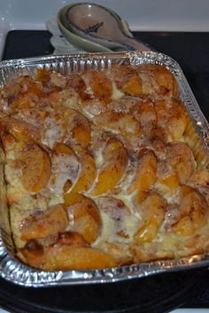 Peaches and Cream Overnight French Toast Casserole! I'm planning to use my camp chef oven to cook it for tailgate! and Cream Overnight French Toast Casserole! I'm planning to use my camp chef oven to cook it for tailgate! Breakfast Appetizers, Breakfast Dessert, Breakfast Dishes, Breakfast Recipes, Breakfast Tailgate Food, Breakfast Ideas, Breakfast Bundt Cake, Breakfast Strata, Breakfast Potatoes