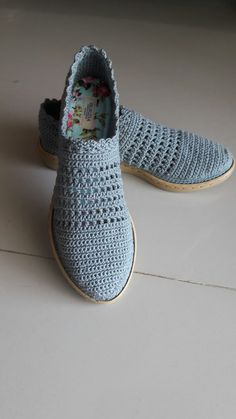 Ayakkabi Crochet Shoes Pattern, Shoe Pattern, Crochet Sandals, Crochet Slippers, Make Your Own Shoes, Spring Boots, Slipper Sandals, Boot Cuffs, Hot Shoes