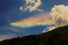 Weird Fire Rainbows that Appear in the Sky, Have You Ever Seen Them? Retro Fashion Designs of Fall/Winter 2020 Inspired by the and Countries Around The World, Around The Worlds, Cirrus Cloud, Fire Rainbow, Once In A Lifetime, Natural Phenomena, All The Colors, Weird, Beautiful Pictures