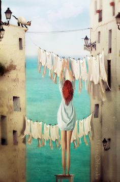 Marta Orlowska 2 of my favorite things. The ocean and hanging laundry on a line.