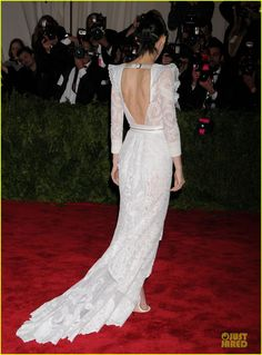 Rooney Mara is a classic white beauty at the 2013 Met Gala held at the Metropolitan Museum of Art on Monday (May 6) in New York City.    The 28-year-old actress…