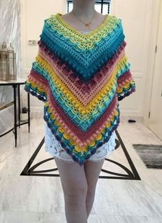 Lost in time poncho patterrn Poncho Sweater, Knitted Poncho, Crochet Shawl, Knit Crochet, Crochet Ideas, Crochet Projects, Lost In Time Shawl, Shake Shake, Crocheting Patterns