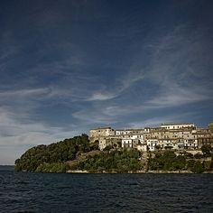 Capodimonte (Viterbo) - il borgo e il Lago di Bolsena - by Luca Pradella - all rights reserved
