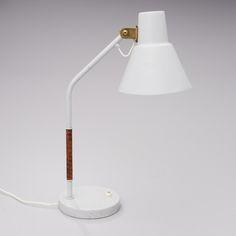 Itsu AK22 table lamp.