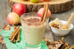 It's that time again! Happy Missing that apple pie? How about this Apple Pie Shake! Vanilla Greek Yogurt, Plain Greek Yogurt, 310 Nutrition Shake, 310 Shake Recipes, Apple Pie Smoothie, Yogurt Recipes, Unsweetened Almond Milk, Food Is Fuel, Atkins Diet