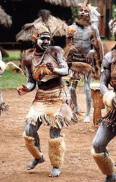 Kikuyu tribe, Kenya, Africa // click image for article and more terrific photos by Juwarra