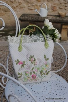 spring bag Wish I knew how to sew, this is so pretty!