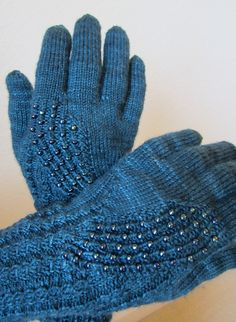 Ravelry: spinlady35's Galaxy Gloves