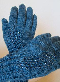 Ravelry: spinlady35's Galaxy Gloves
