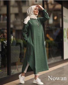 Hijab Fashion 403494447866216100 - Iipekbocugu Tunik Keten Desensiz Source by faezepourheydar Modern Hijab Fashion, Street Hijab Fashion, Muslim Fashion, Fashion Outfits, Girly Outfits, Fashion Advice, Fashion Ideas, Men's Fashion, Hijab Outfit