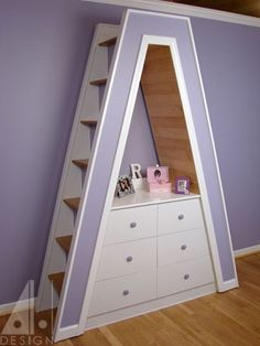 Stair design for tiny house loft steps loft stairs steps and ladder ideas for your tiny . stair design for tiny house tiny house stair ideas Tiny House Stairs, Tiny House Loft, Tiny House Living, Tiny House Plans, Home Living Room, Home Stairs Design, Stair Design, Interior Stairs, Loft Staircase
