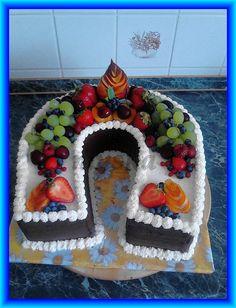 zdobená ovocem Birthday Cake, Desserts, Food, Birthday Cakes, Meal, Deserts, Essen, Hoods, Dessert