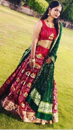 Wedding dresses black veil and wedding dresses a line color Indian Bridal Outfits, Indian Bridal Lehenga, Indian Designer Outfits, Designer Dresses, Choli Designs, Fancy Blouse Designs, Lehenga Designs, Bandhani Dress, Choli Dress