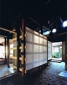 Image 6 of 18 from gallery of Wood Old House / Tadashi Yoshimura Architects. Photograph by Hitoshi Kawamoto Japanese Interior Design, Japanese Home Decor, Japanese Modern, Japanese House, Japan Architecture, Ancient Architecture, Architecture Details, Interior Architecture, Japanese Joinery