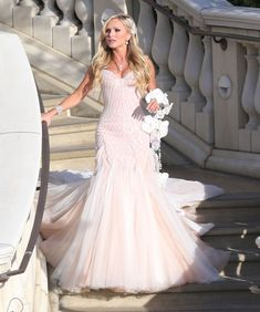 Tamra's Wedding... LOVE that her dress is not white, and the bouquet!! Yes Please!!!