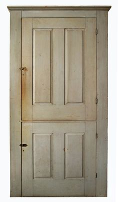 Lot 5: Cupboard