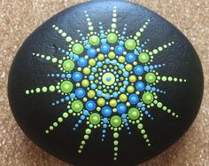 mandala stone ~ made to order Rock Painting Patterns, Rock Painting Ideas Easy, Dot Art Painting, Rock Painting Designs, Mandala Painting, Pebble Painting, Pebble Art, Mandala Art, Stone Painting