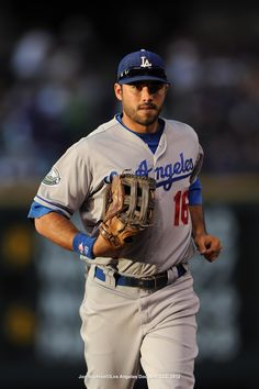 Andre Ethier Runs To Right Field