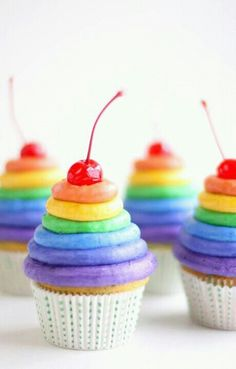 Rainbow Party Cupcakes #stylishkidsparties
