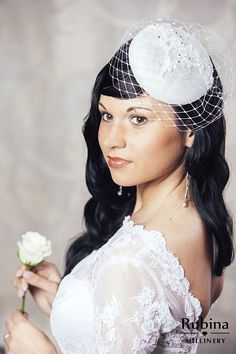 7ca57fb369d53 White Bridal Pillbox Hat with Birdcage Veil - Bridal Fascinator - White  Wedding Hat - Cocktail Hat -