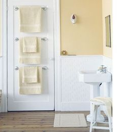 Bathroom Design Ideas Adding towel bars to back of bathroom doors in a small bathroom 30 Brilliant Bathroom Organization and Storage DIY Sol. Bathroom Doors, Bathroom Renos, Bathroom Towels, Bathroom Interior, Modern Bathroom, Beautiful Bathrooms, Downstairs Bathroom, White Bathroom, Bath Towels
