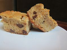 banana peanut butter chocolate chip cookie bars. [i made these & i so artfully placed them like that. wooo-ooo] • 3 mashed ripe bananas • 1 stick of softened butter • 1/2 cup of peanut butter • 1...