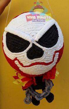 Piñata Ghost Rider... Solo este mes todas las piñatas agendadas llevan 2 cupcakes personalizados.