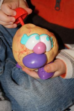 Playdough / Pretend Play Invitation to Play: Mr. Potato Head pieces and playdough. Mr Potato Head, Potato Heads, Playdough Activities, Fun Activities For Kids, Play Based Learning, Kids Learning, Homemade Playdough, Playdough Cake, Creative Curriculum
