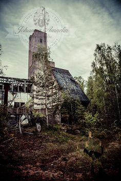 Salon alueen kaivoksista tutustumisen arvoinen on myös Metsämonttu #salo #visitsalo http://www.naejakoe.fi/nahtavyydet/metsamontun-kaivos/ #kaivos #mine #cuarry