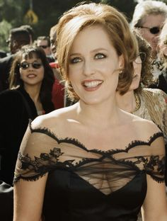 Another cool link is lgmsport.com  Les roux les plus flamboyants de Hollywood Gillian Anderson
