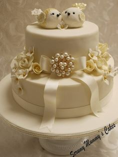 Isobella Golden Wedding Lovebirds Cake - by ScrummyMummy @ CakesDecor.com - cake decorating website