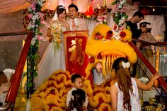 A Dragon dance as an extra event to the wedding ceremony makes it more special.