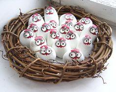 ,,SLEPIČKY..MALOVANÉ KAMENY,  (Rocks?  Oh, too cute!)
