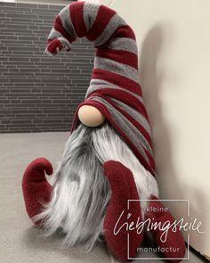 Christmas Projects, Christmas Fun, Holiday Fun, Christmas Crafts, Christmas Decorations, Christmas Ornaments, Christmas Knomes, Scandinavian Gnomes, Door Stopper