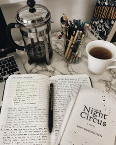 Coffee Study, Coffee And Books, College Motivation, Work Motivation, Book Study, Study Notes, Studyblr, Intensives Training, Study Organization
