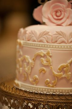 Baroque Wedding Cake (and cupcakes) - by DeliciousCreations @ CakesDecor.com - cake decorating website