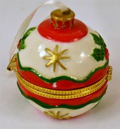 Christmas Ornament Trinket Box With Foam Inside Great for Small Gift Or Cash NWT
