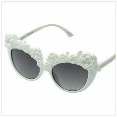 22c7ec377a White rose Sunglasses Betsey Johnson