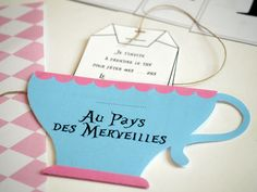 invitation-anniversaire-alice-au-pays-des-merveilles-a-imprimer-gratuit-sweet-party-day Halloween Invitations, Party Invitations, Sweet Party, Alice In Wonderland Birthday, Mothers Day Crafts, Diy For Kids, Party Themes, Birthday Parties, Clae