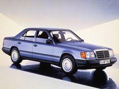 Mercedes W124 (1985 – 1992).
