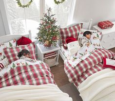 Featuring a classic tartan design in festive and cozy Christmas colors, our Organic Flannel Morgan Plaid Duvet Cover is a soft and stylish choice for their sleep space. Made from pure organic cotton flannel, this hypoallergenic layer is will keep … Outside Christmas Decorations, Blue Christmas Decor, Christmas Bedding, Farmhouse Christmas Decor, Cozy Christmas, Christmas Colors, Rustic Christmas, Pottery Barn Christmas, Outdoor Christmas
