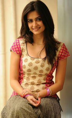 Exclusive High Definition Photos - Cute and Beautiful Kriti Kharbanda posing different Indian Traditional Dresses Most Beautiful Bollywood Actress, Bollywood Actress Hot Photos, Beautiful Actresses, Cute Beauty, Beauty Full Girl, Kirti Kharbanda, Beautiful Girl Indian, Indian Beauty Saree, Indian Designer Wear