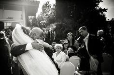 abrazo novia con su padre